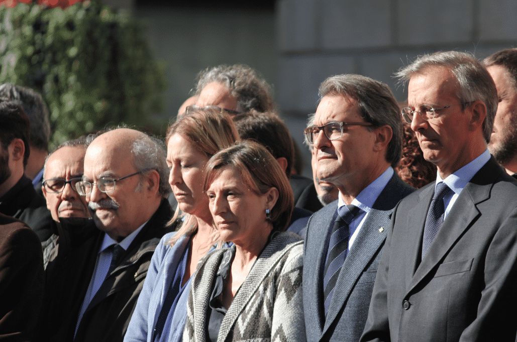 carme forcadell artur mas ada colau terrorismo terrorisme barcelone pour paris attaque