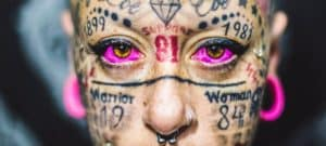 femme-tatouee-europe-catalane