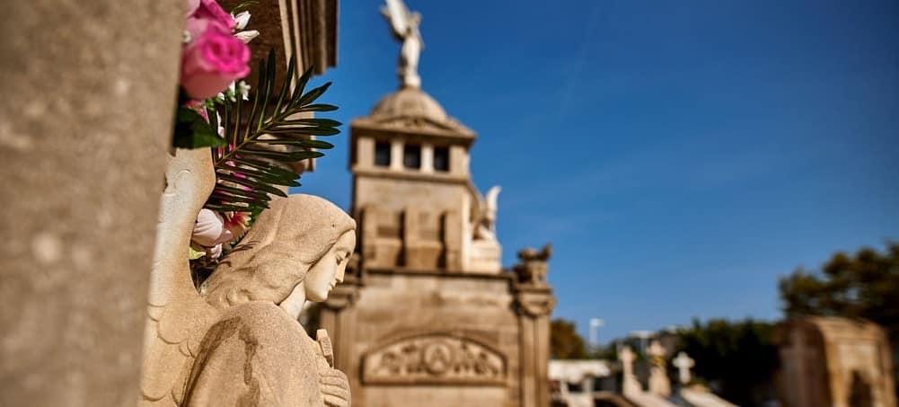 NOTRE AVIS – Le cimetière de Poblenou, une visite insolite et fascinante à Barcelone
