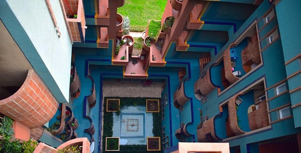 NOTRE AVIS – Walden 7, résidence aux inspirations utopistes à Barcelone