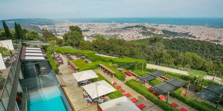 Où se trouve la plus haute terrasse de Barcelone?