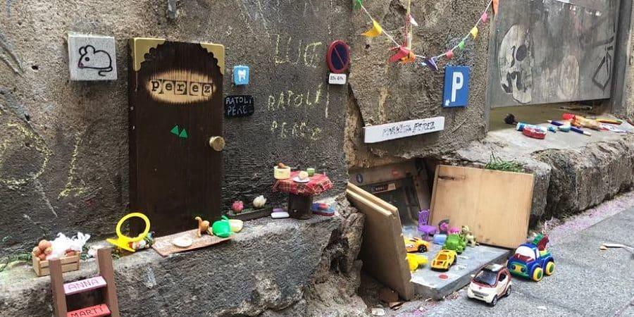 [IMAGES] À Barcelone, l'adorable maison de la Petite Souris