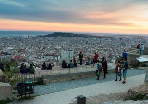 """""""Botellón"""", le fléau des beuveries s'étend à tous les quartiers de Barcelone"""