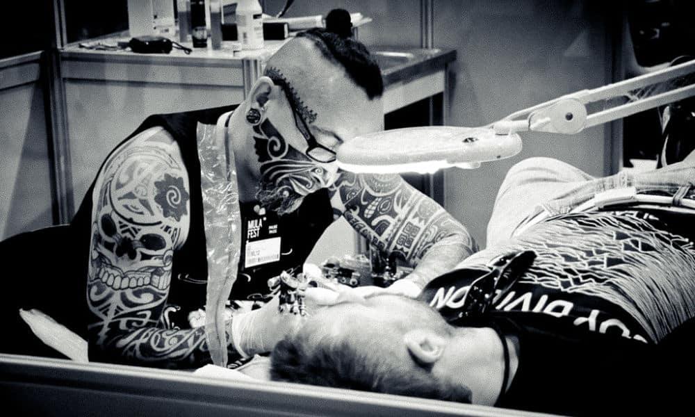 Datant d'un artiste tatoueur
