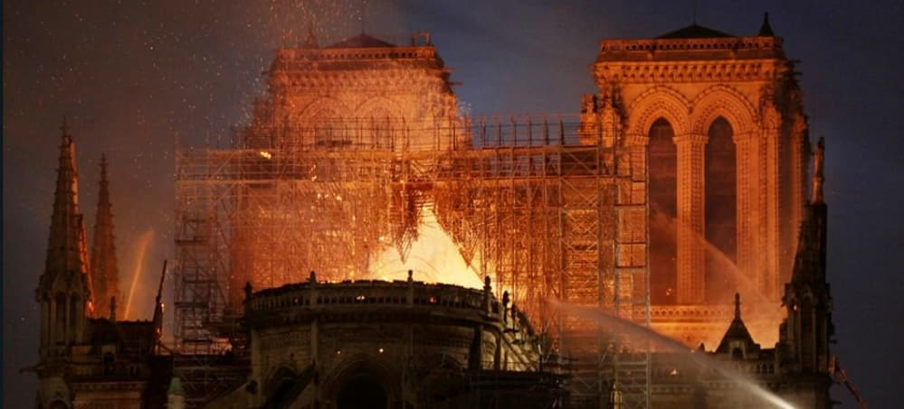 cathedrale paris incendie