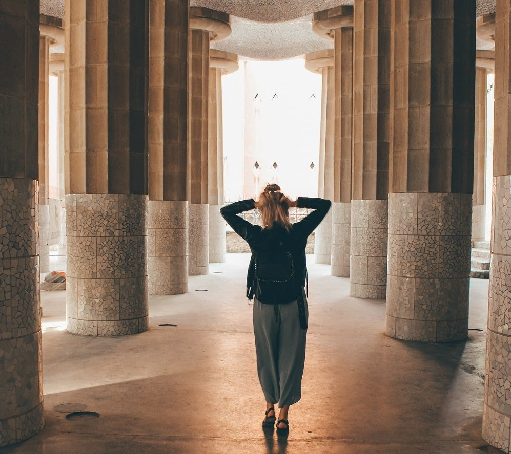 fille barcelone park guell