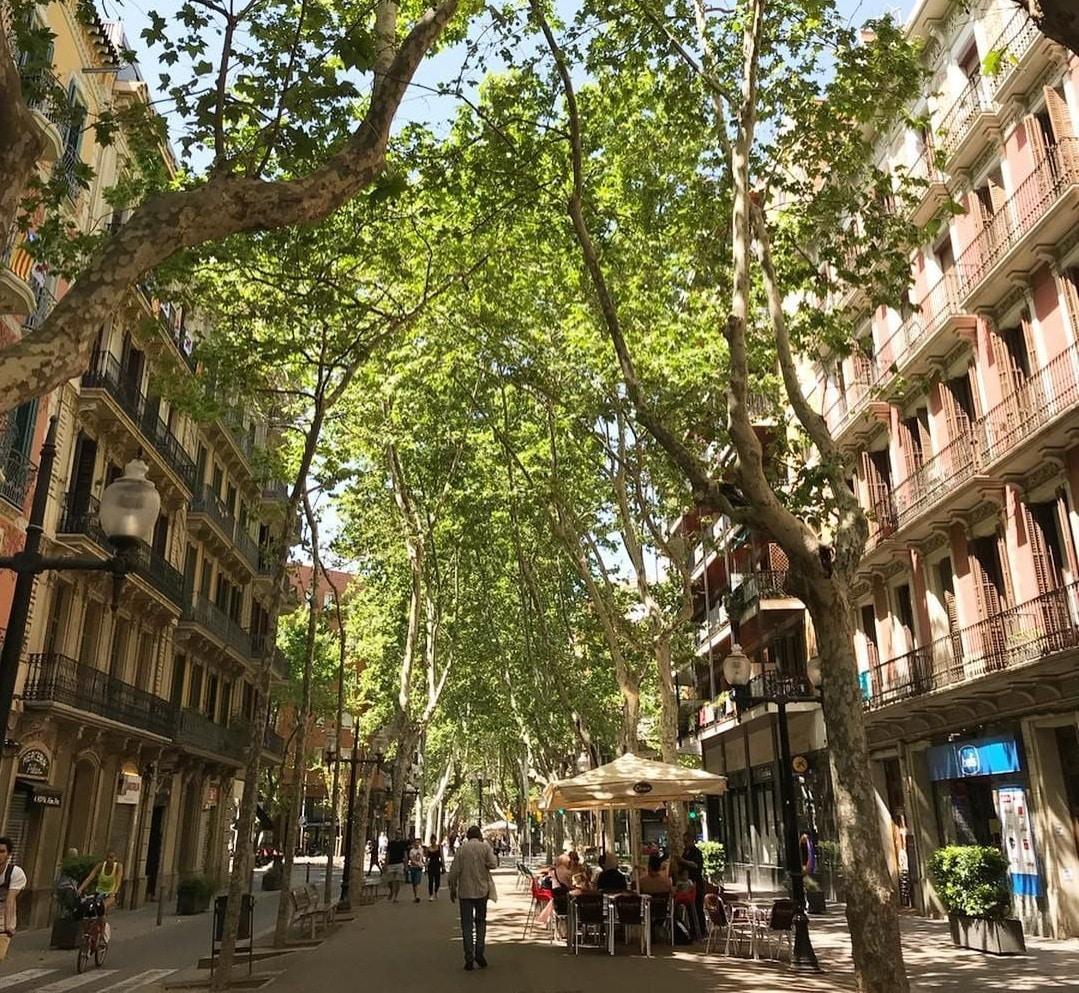 rambla de poblenou barcelone